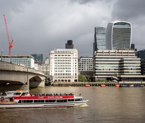 Image of river Thames with skyline